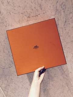 🚚 Hermès box