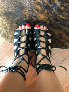 Sam Edelman Black Suede Cut out sandals size 7