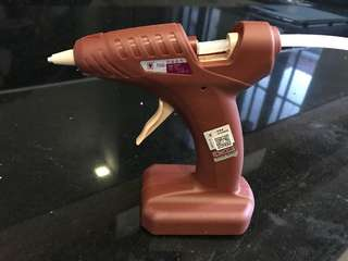 Hot glue gun battery operated