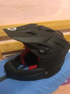 Thh Full Face Helmet