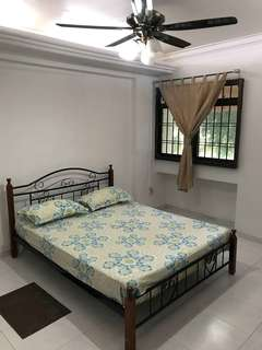 Common room available for rent at Blk 506