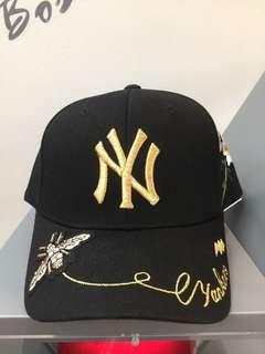 預購 MLB x GUCCI聯名款蜜蜂刺繡棒球帽  超人氣棒球帽子美國MLB與GUCCI限量聯名款!!  顏色:黑  限量價:$1700元/頂