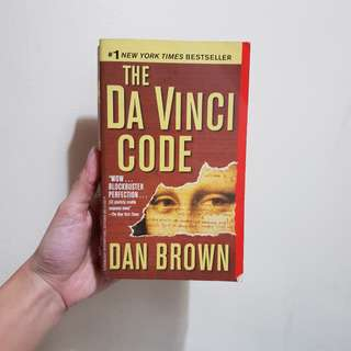 The Da Vinci Code by Dan Brown (Paperback)