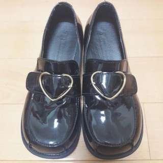 🚚 日系少女黑色愛心皮鞋