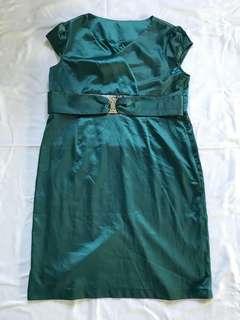 Beautiful brand new green dress