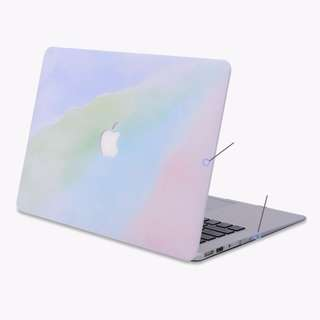 13-Inch MacBook Polycarbonate Case in Pastel Gradient