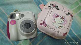 Instant camera hello kitty