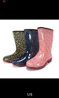 🚚 粉紅點點雨鞋
