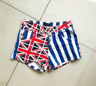 FLAGS PATTERNED BUTTONED-UP SHORT