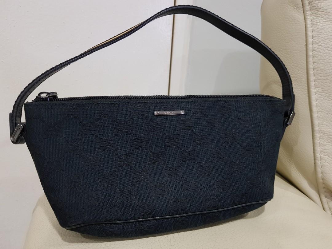 a5c5420150e Authentic Gucci black canvas boat pochette bag, Luxury, Bags ...