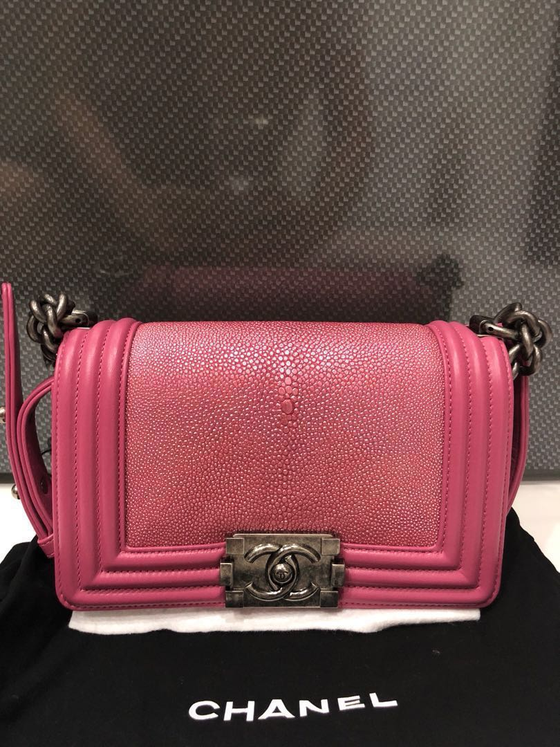 789482ff59e2 Chanel Boy Small Rare Stingray Leather Baby Pink, Women's Fashion ...