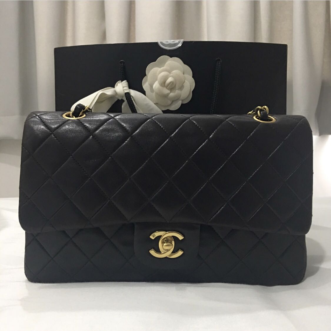 8aaf48194a1181 Chanel classic medium, Luxury, Bags & Wallets, Handbags on Carousell