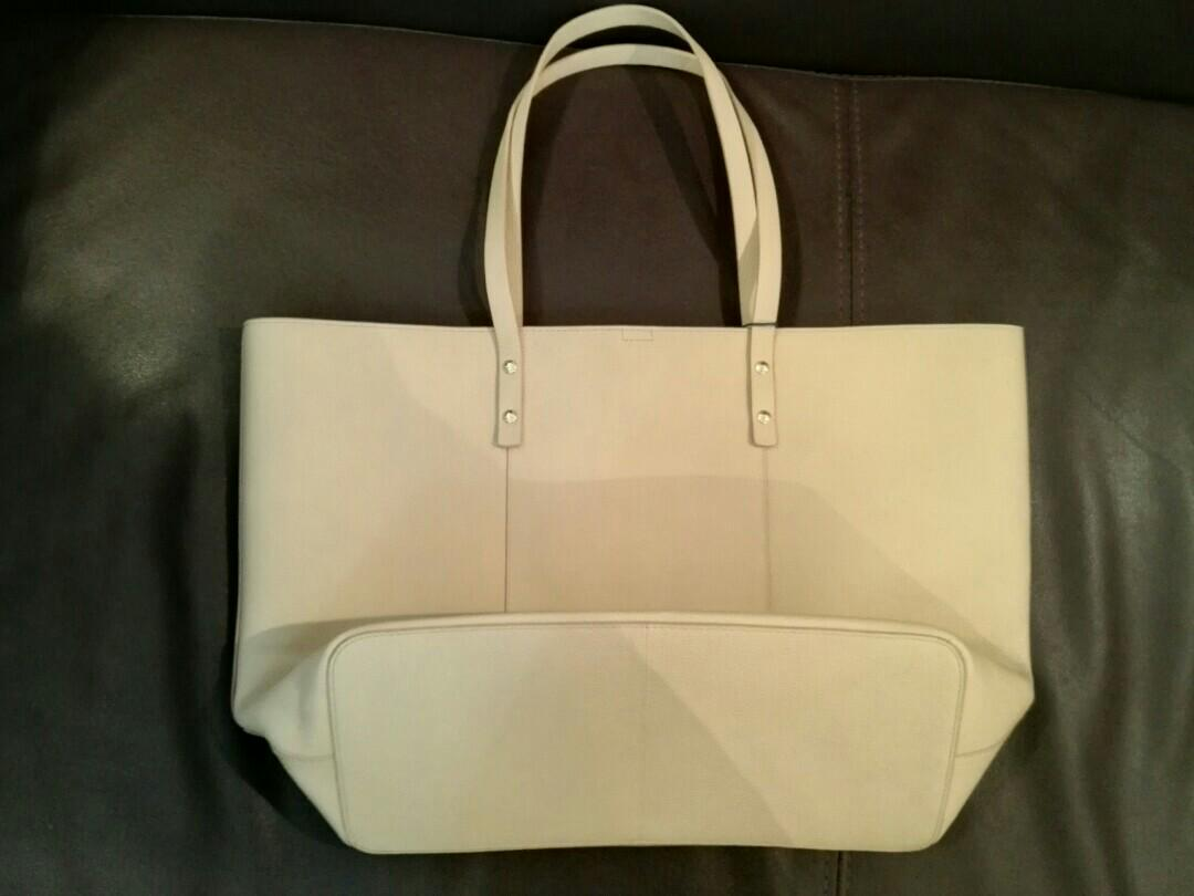 ColeHann Handbag