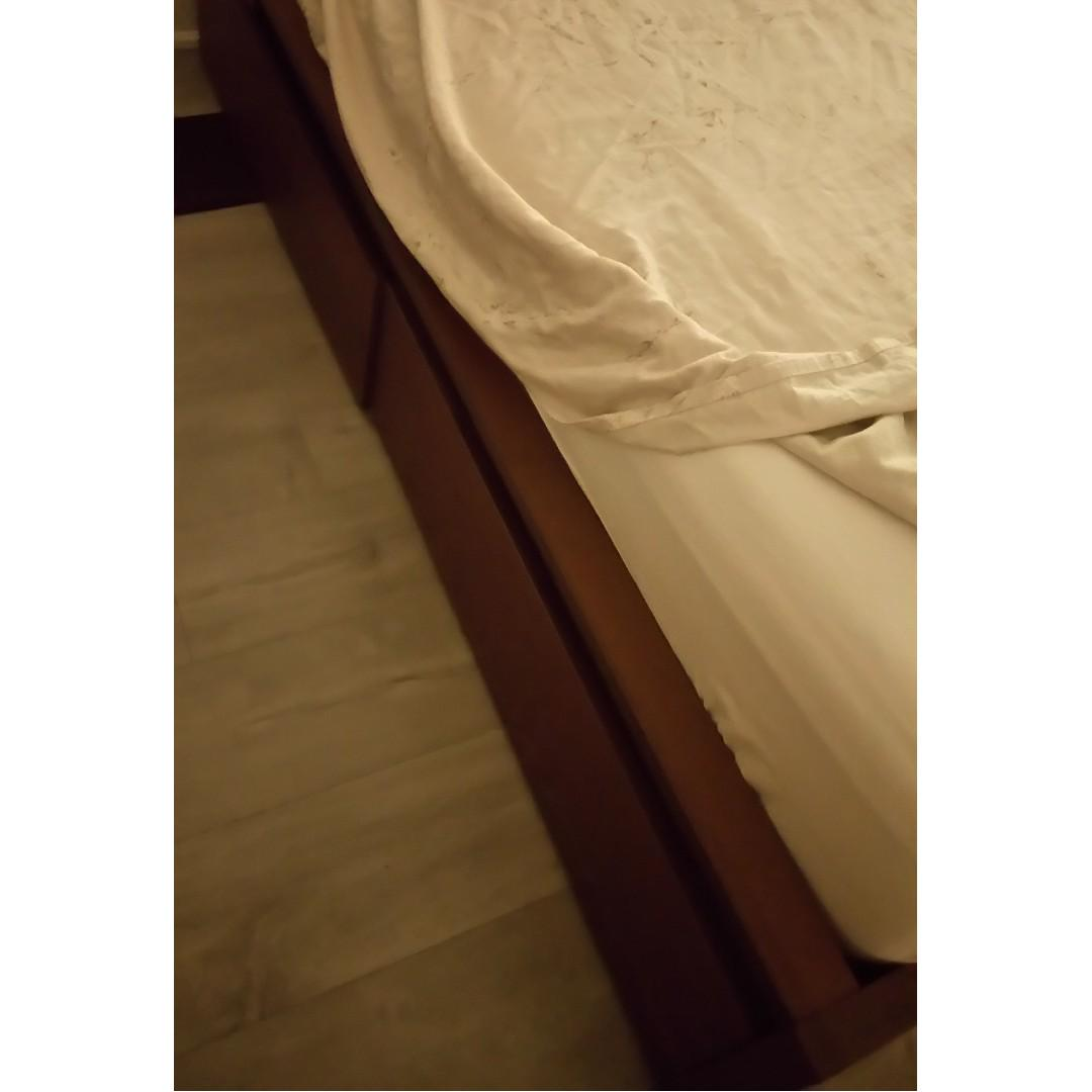 Double bed with mattress and with underbed storage drawers (4) and side table