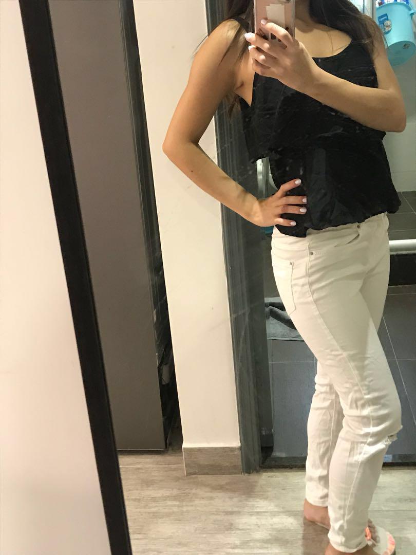 Elegant Black Summer top x white tight jeans