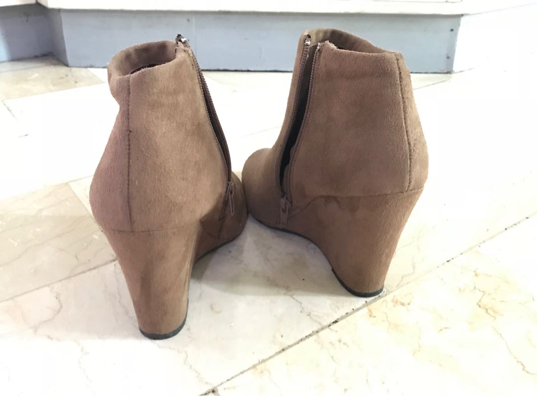 2a86a546118f Forever 21 Suede Wedge Ankle Boots