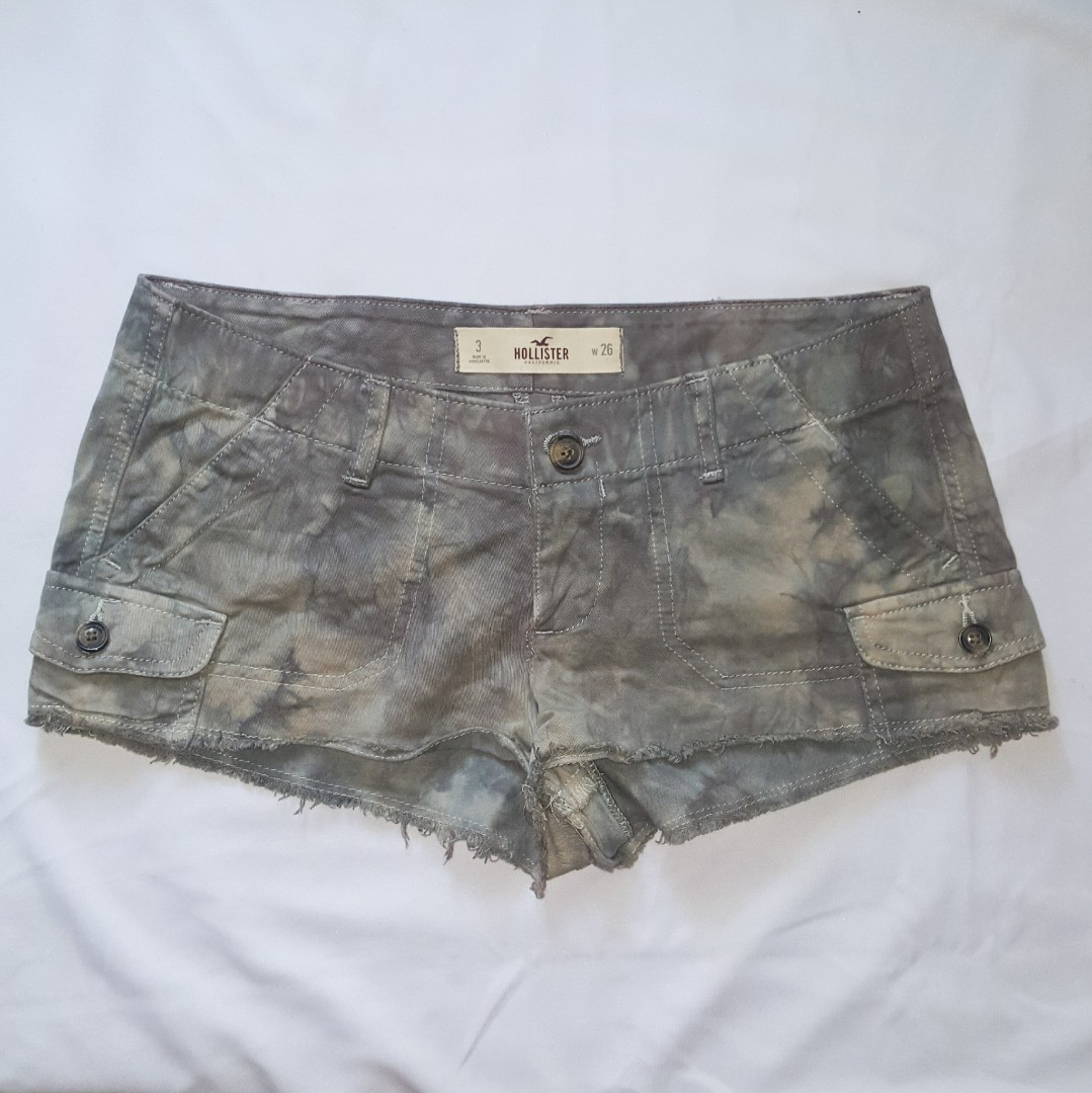 7dab7909a15f6 Hollister shorts with bikini bra