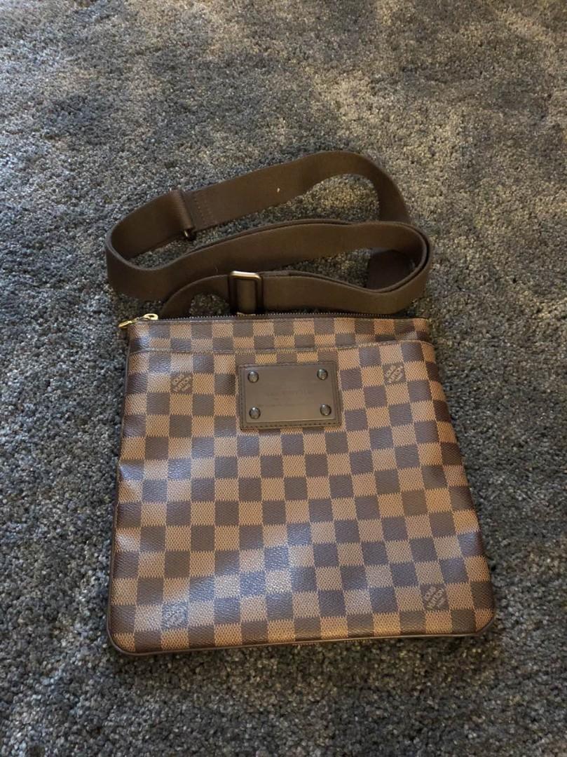 366136435149e5 Louis Vuitton Brooklyn flat Pochette Damier Ebene, Luxury, Bags & Wallets,  Sling Bags on Carousell