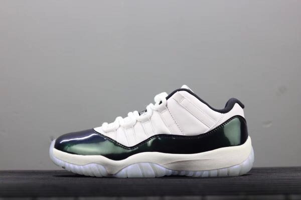 check out b0bb0 8d5c7 Nike Air Jordan 11 Low Emerald, Men s Fashion, Footwear, Sneakers on  Carousell