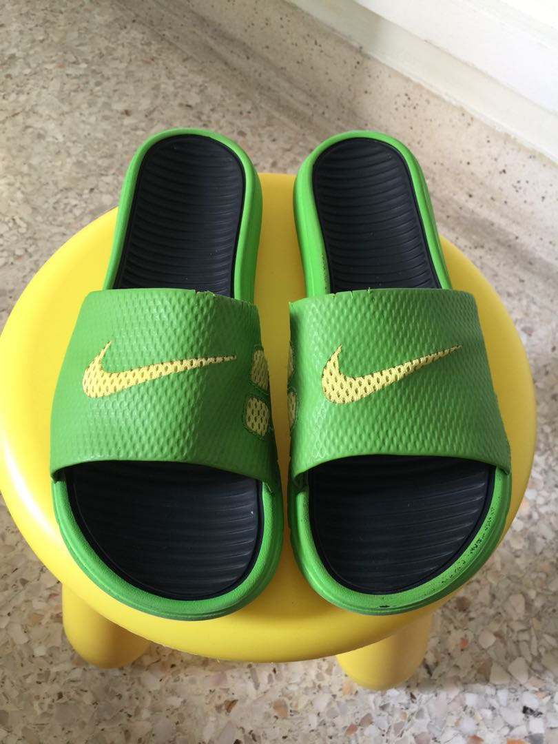 the best attitude 7bfb1 4d4b6 NIKE AUTHENTIC, Men's Fashion, Footwear, Slippers & Sandals ...