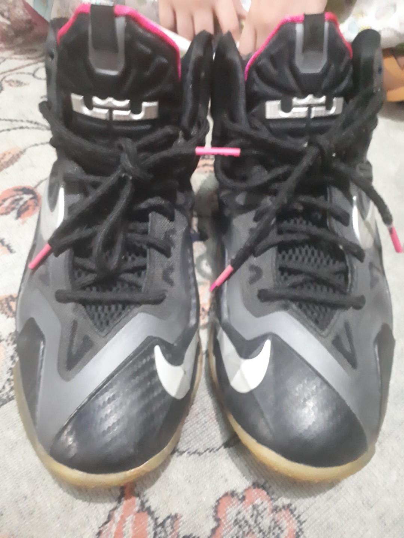 90be935caa7 Nike Black sneakers