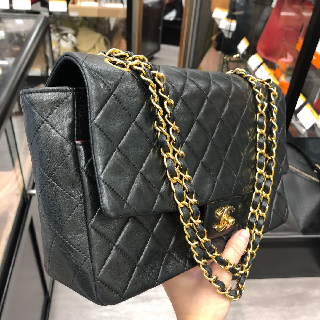 89fe3235a16b6c NOW IN JAPAN: Authentic Chanel Lambskin Bigger than Medium Flap Bag,  Luxury, Bags & Wallets, Handbags on Carousell