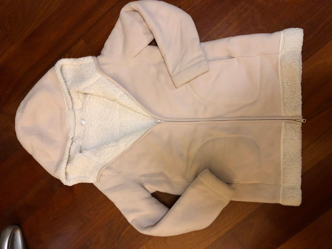 Uniqlo coat sz L drycleaned