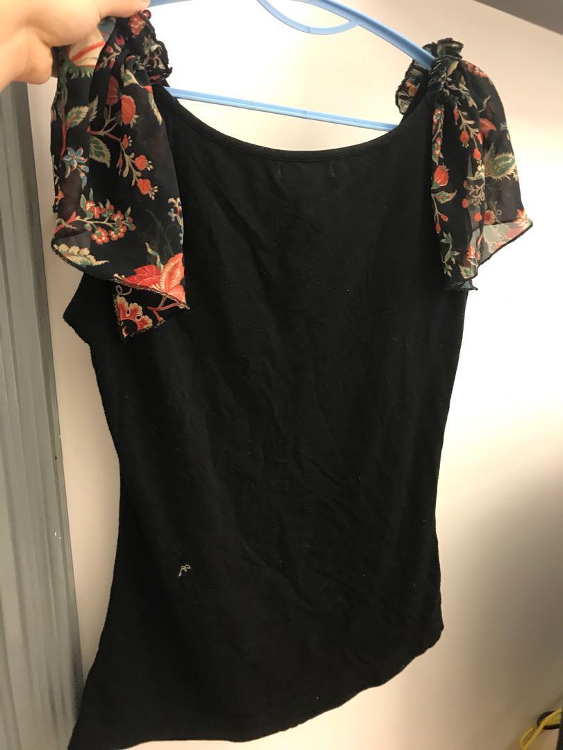 Veeko black elegant floral top