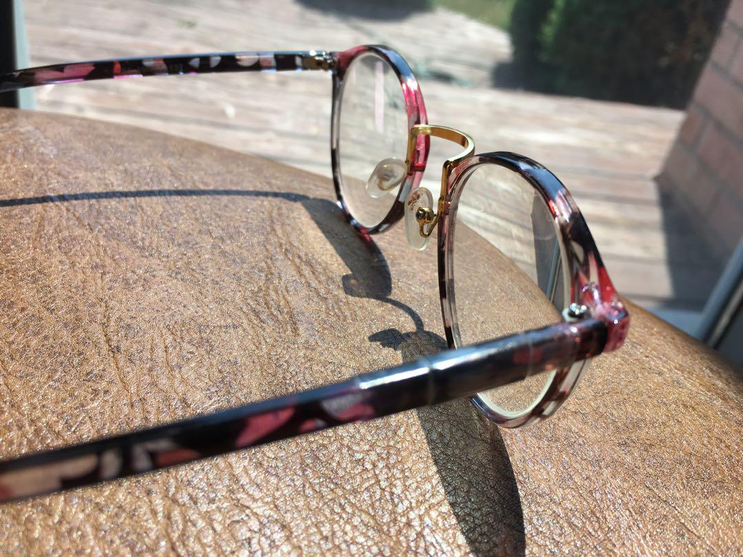 Vintage Retro Glasses Frame with Nose Pads (Slightly Damaged - See Picture 3)