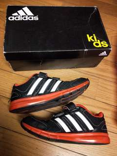 🚚 adidas 童鞋