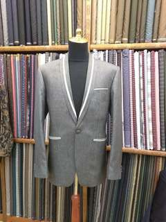 New italian wool suit size L