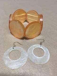 Capiz bracelet in peach + capiz hoop earrings