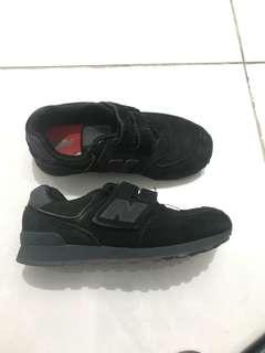 Sepatu keds new balance