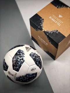 2018 世界杯比賽專用adidas足球