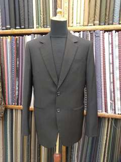 New italian wool black suit size L
