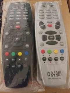 DM800 Remote Control units