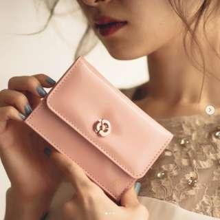 日本雜誌 美人百花 附贈 ALEXANDRE DE PARIS 粉色 山茶花立體裝飾多功能短夾 錢包 零錢包