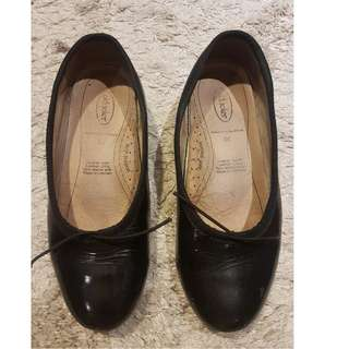 Girls black leather shoes size 30