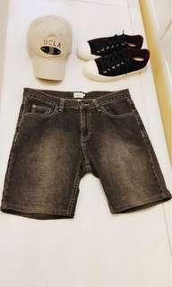 🚚 CK Calvin Klein Jeans 牛仔短褲 30 Summer Time