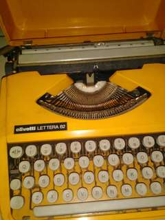 Typewriter Olivetti lettera 82 made in brazil