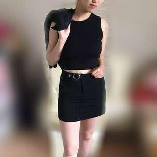 🚚 🙌 黑背心+黑短裙