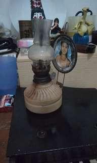 Cempor minyak antik