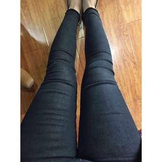 🚚 黑色超小腳抽鬚牛仔褲