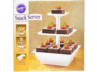 Wilton snack server
