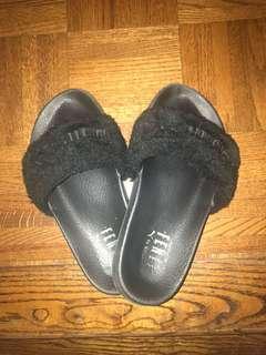 Fur Fenty Slides Black Sz: 6