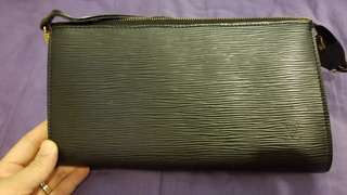 75% new LV Louis Vuitton EPI Clutch