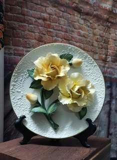 Limited Edition The Yellow Rose of Capodimonte