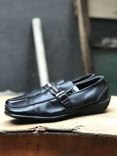 Sepatu slipon christian ribot made cina