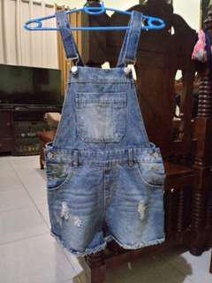 Denim jumper shorts /small