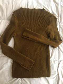 Turtle neck brown sweater